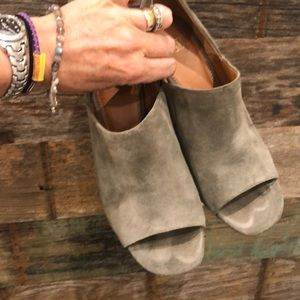Franco Sarto Open toe shoe